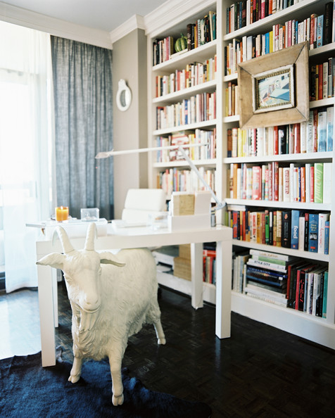 Goat+Sculpture+white+goat+statue+office+space+6hI5ZOAxWDFl