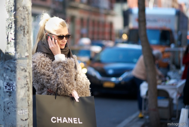 mitograph00260-Woman-Chanel-Shopping-Bag-At-Soho-New-York-Street-Style