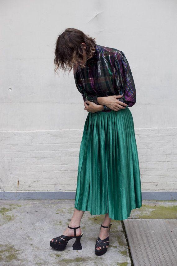 black-spool-heels-with-long-skirt