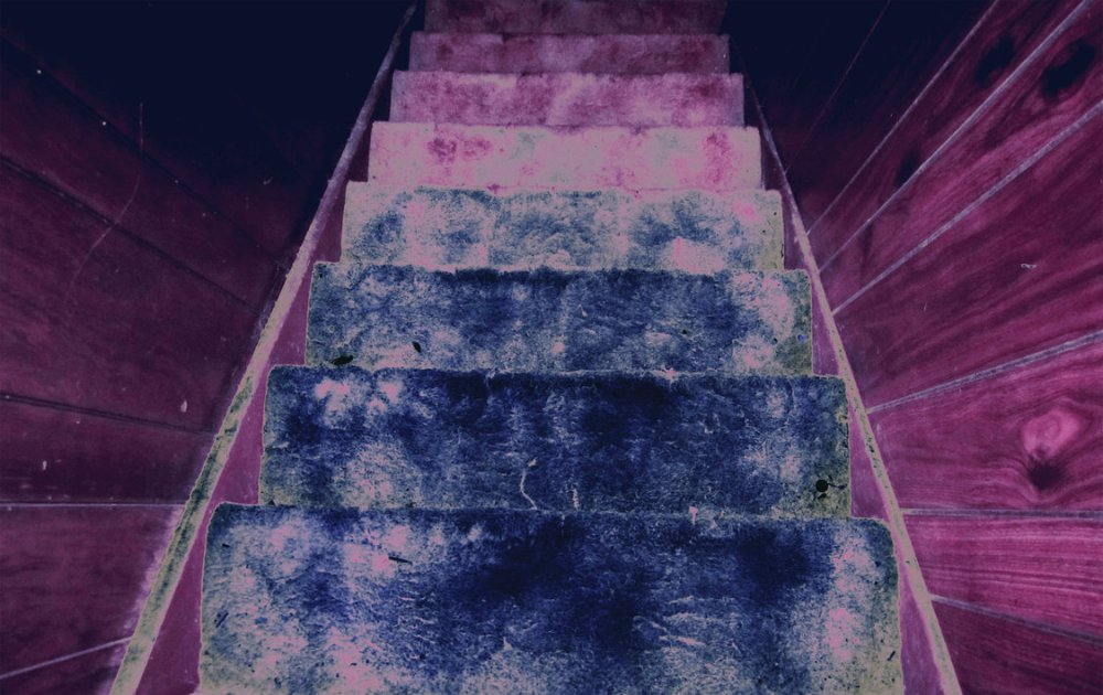 Grunge_background_10_by_Madsin