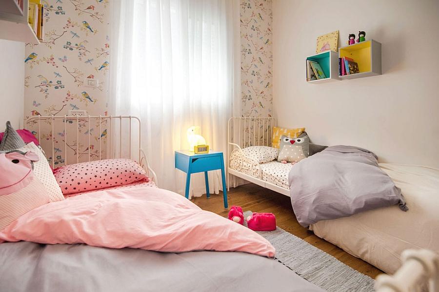 lovely-wallpaper-idea-for-the-kids-bedroom