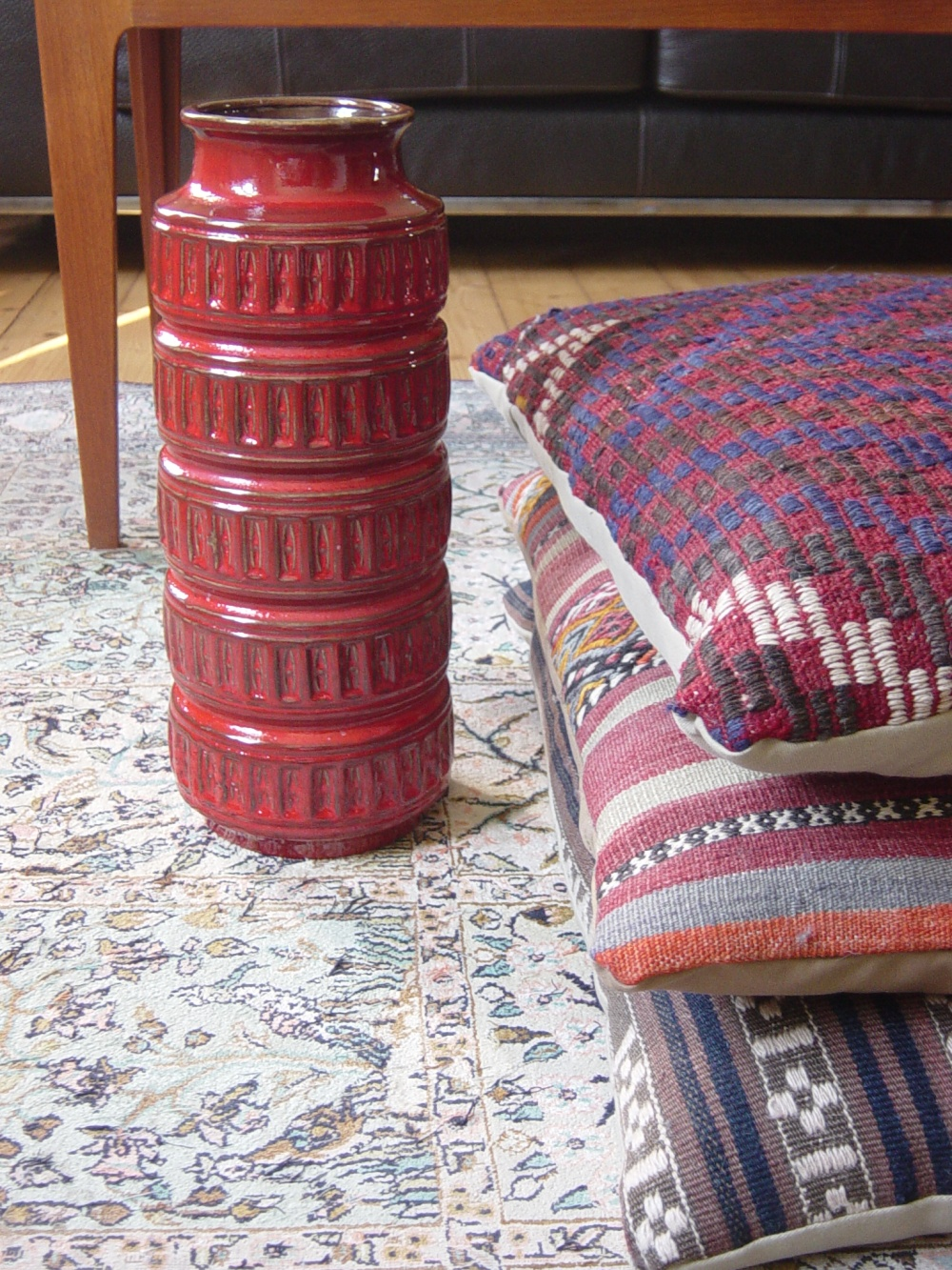 red-europa-vase-001