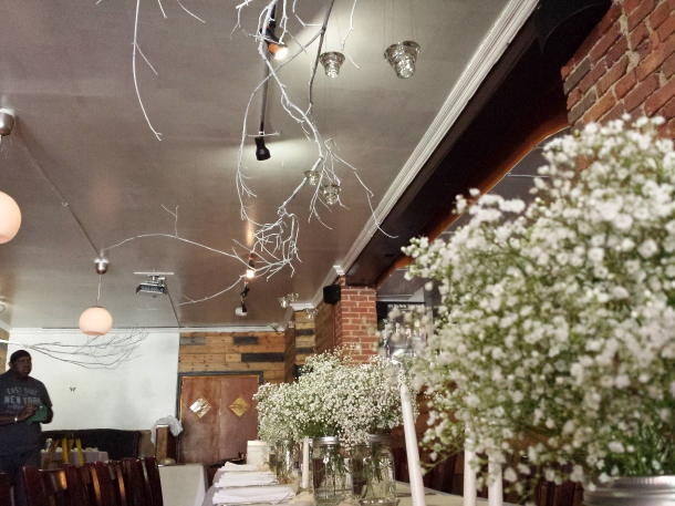 diy spray painted branches and babys breath