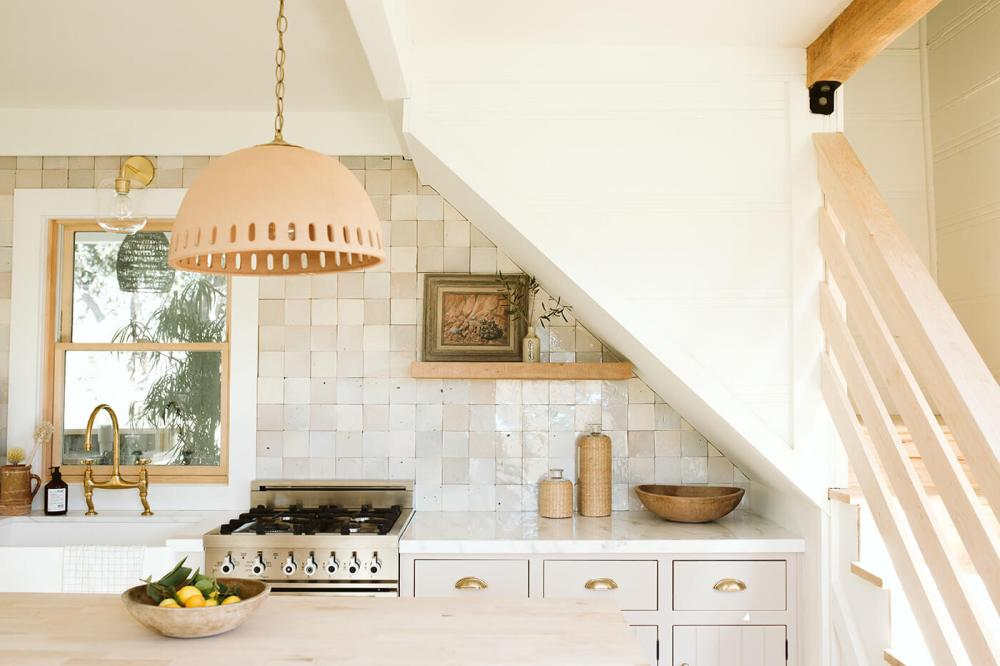 natural-tile-and-textures-in-this-mini-kitchen-at-the-bodega-house-in-los-alamos